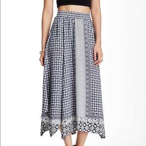 Romeo & Juliet Couture Sharkbite Skirt